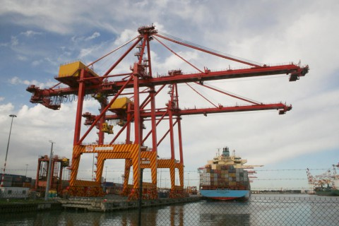 freight forwarding container ship in Melbourne